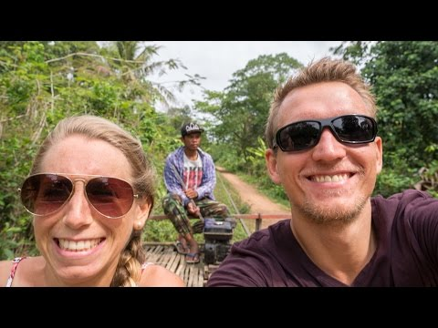 Die verrückteste Zugfahrt unserer Weltreise - Bamboo Train Battambang - Kambodscha | VLOG #208