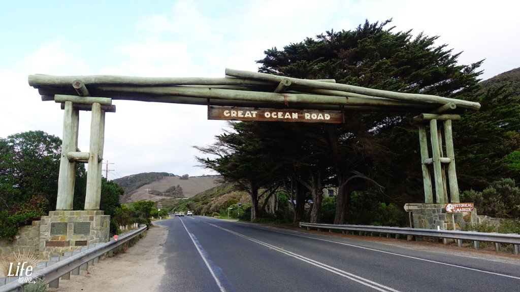 Der Start der Great Ocean Road, aus Melbourne kommend