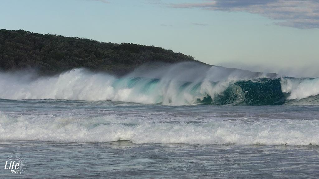 riesige Wellen am Merry Beach Camping Platz