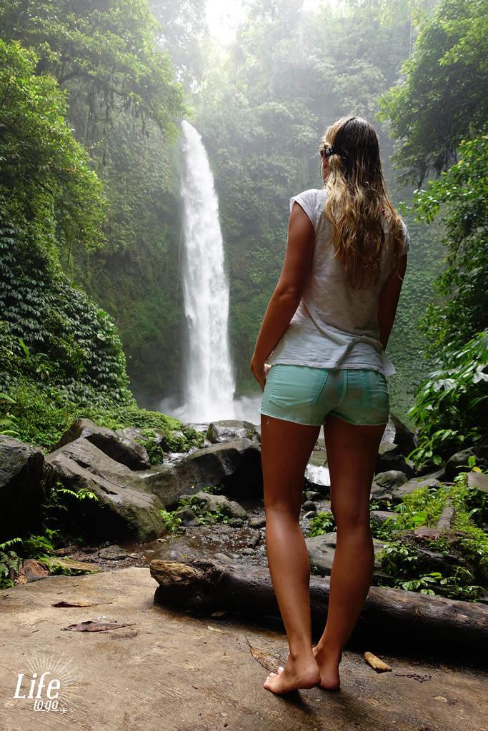 Jessi und der Wasserfall