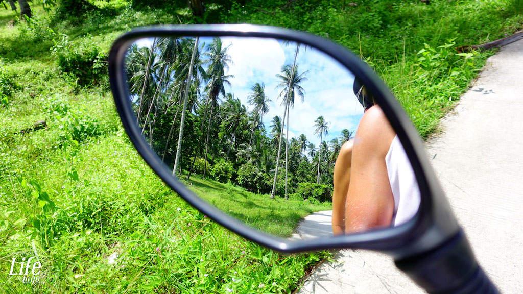 Toller Rückblick auf dem Roller - Roller fahren in Asien