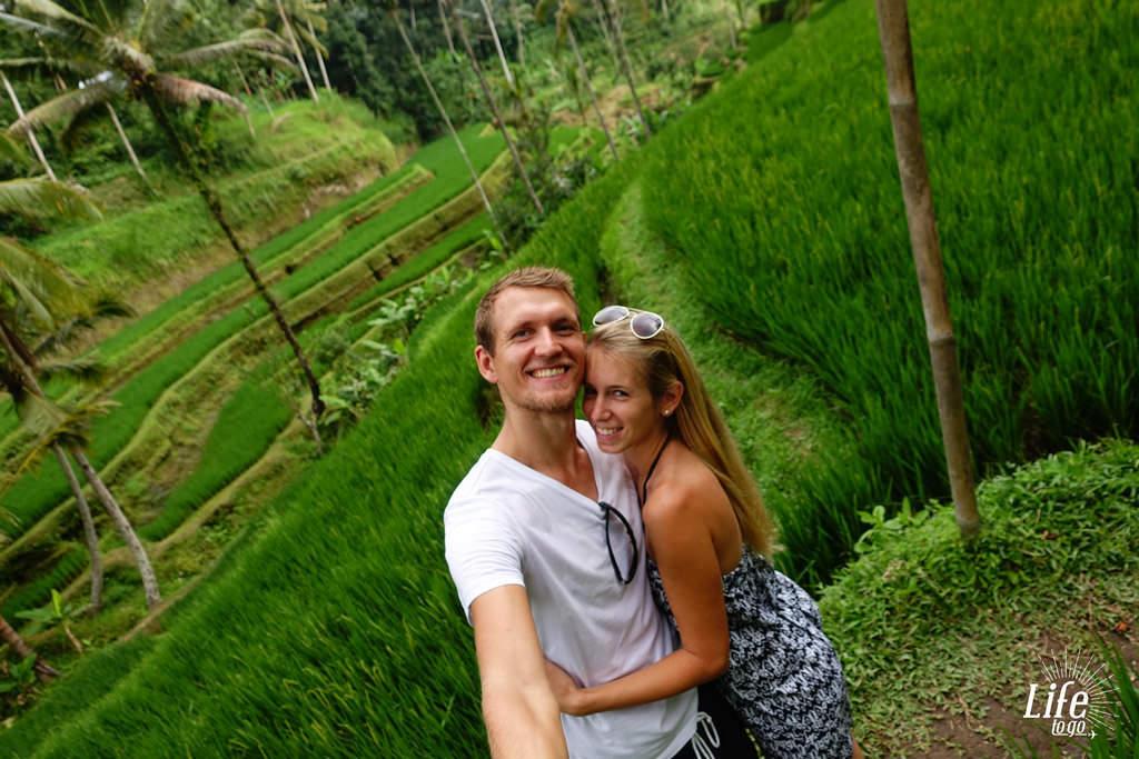 Bitte lächeln vor den Reisterassen - Blogbeitrag über Bali, Reisterassen und Wasserfälle