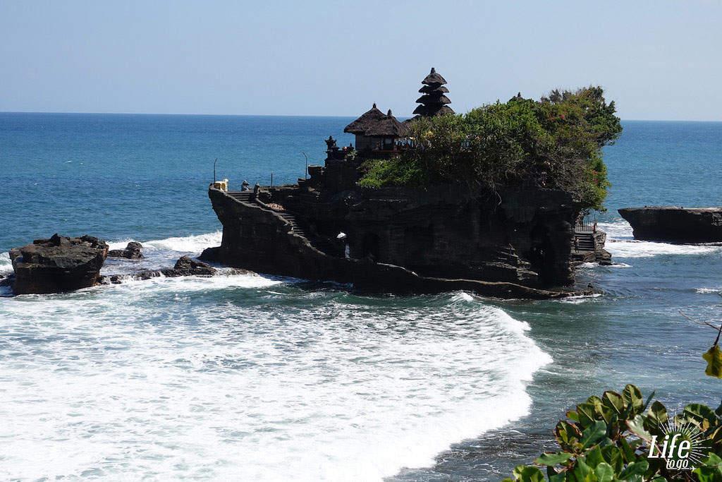 Freie Sicht auf den Tanah Lot Tempel