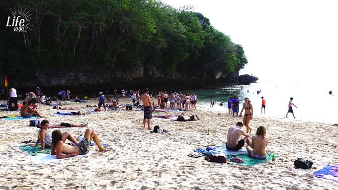 Padang Padang Beach - Total überlaufen und voller Touristen