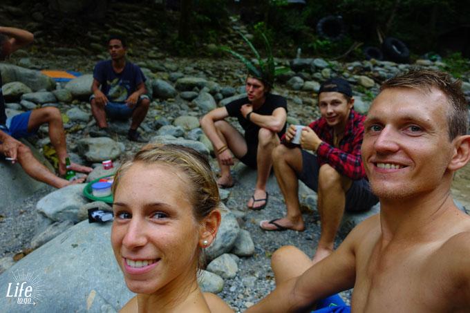Am Fluss im Dschungel von Bukit Lawang