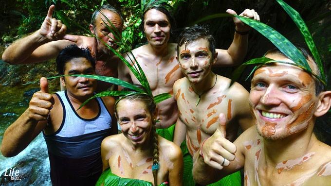 Unsere geniale Truppe im Dschungel von Bukit Lawang auf der Orang Utan Trekking Tour