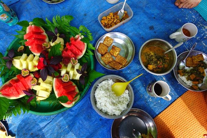 veganes Frühstück Orang Utan Tour im Dschungel von Bukit Lawang