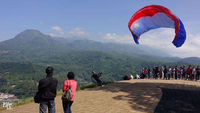 Java Highlights - Paragliding in Batu near Malang