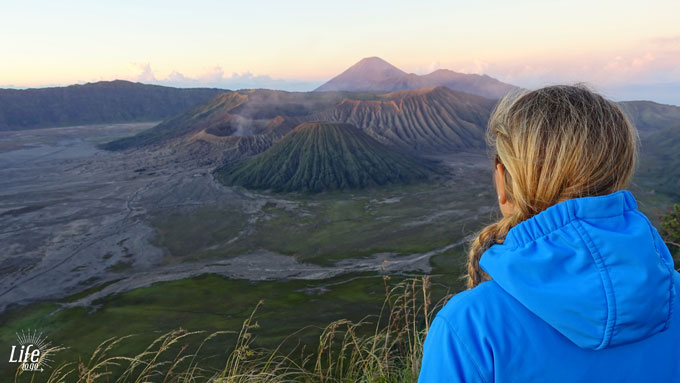 Mount Bromo und das Sea of Sands Sandmeer