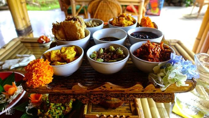 Warung Bambu Pemaron Essen