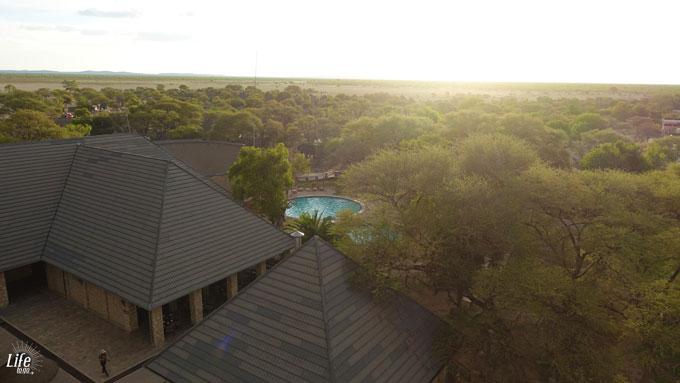 Aussichtsturm Okaukuejo Camp Etosha Nationalpark in Namibia