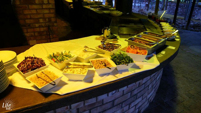 Etosha Village Dinner Buffet