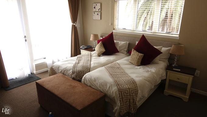 Hotel zum Kaiser Swakopmund Bett und Schlafzimmer