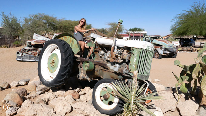 Solitaire Namibia und alte Autos