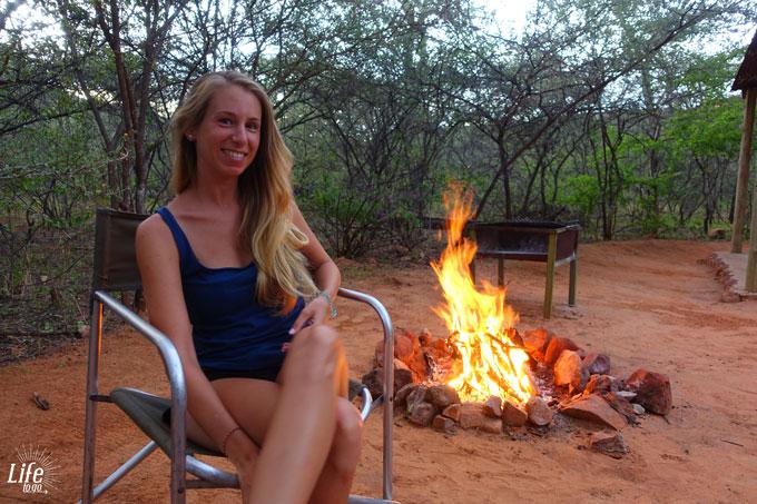 Lagerfeuer auf Waterberg Wilderness Campsite