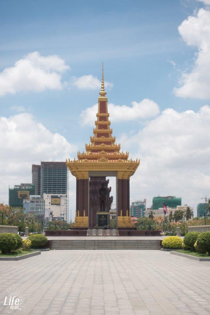 König Norodom Sihanouk Momument Phnom Penh