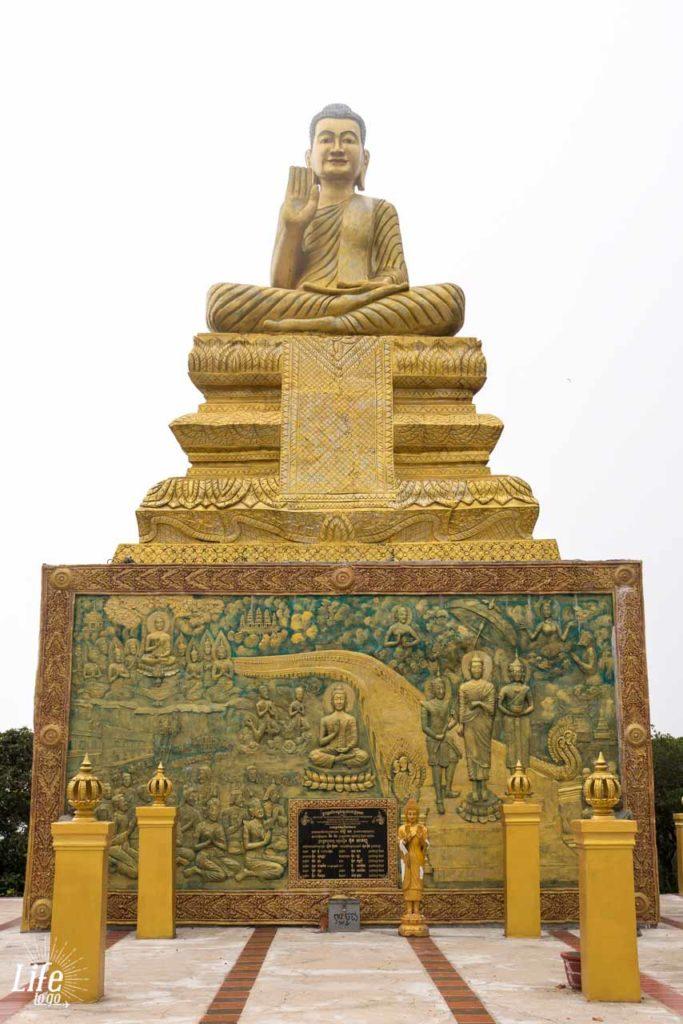 Buddha Statue im Wat Sampov Pram