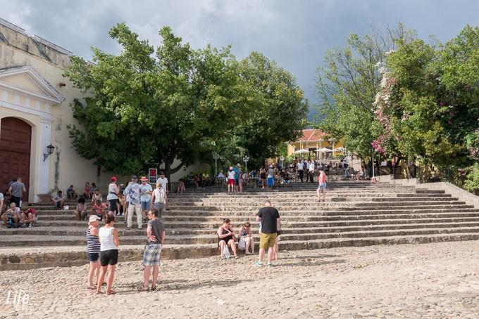 Die Treppen in Trinidad am Plaza Major - Kuba Reisetipps