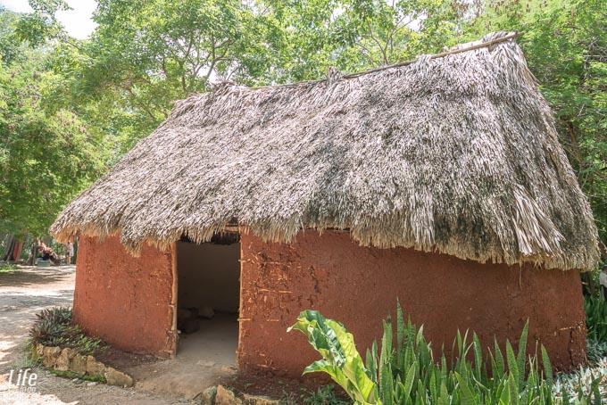 Nachbau Maya Lemhütte Mexiko