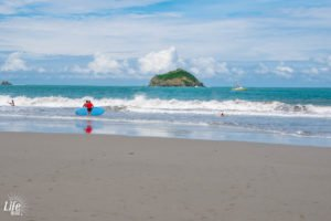 Wellen und Strand Manuel Antonio Costa Rica