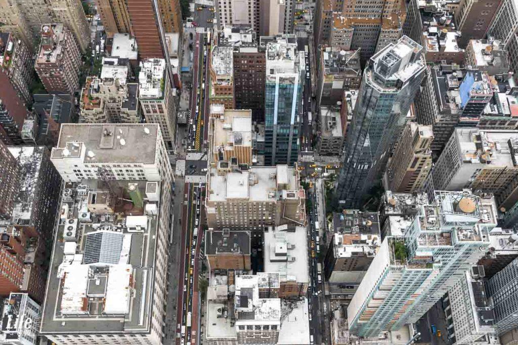 Blick vom Empire State Building herunter auf die Stadt