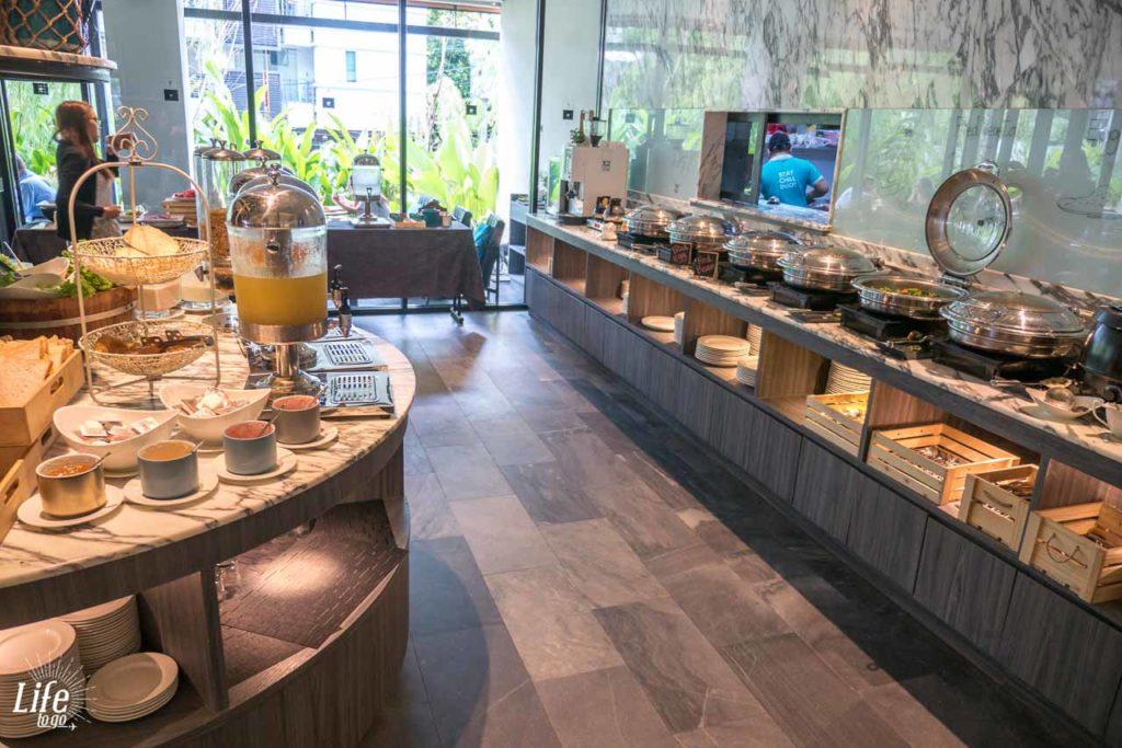 Frühstücksbuffet X2 Vibe Bangkok Sukhumvit