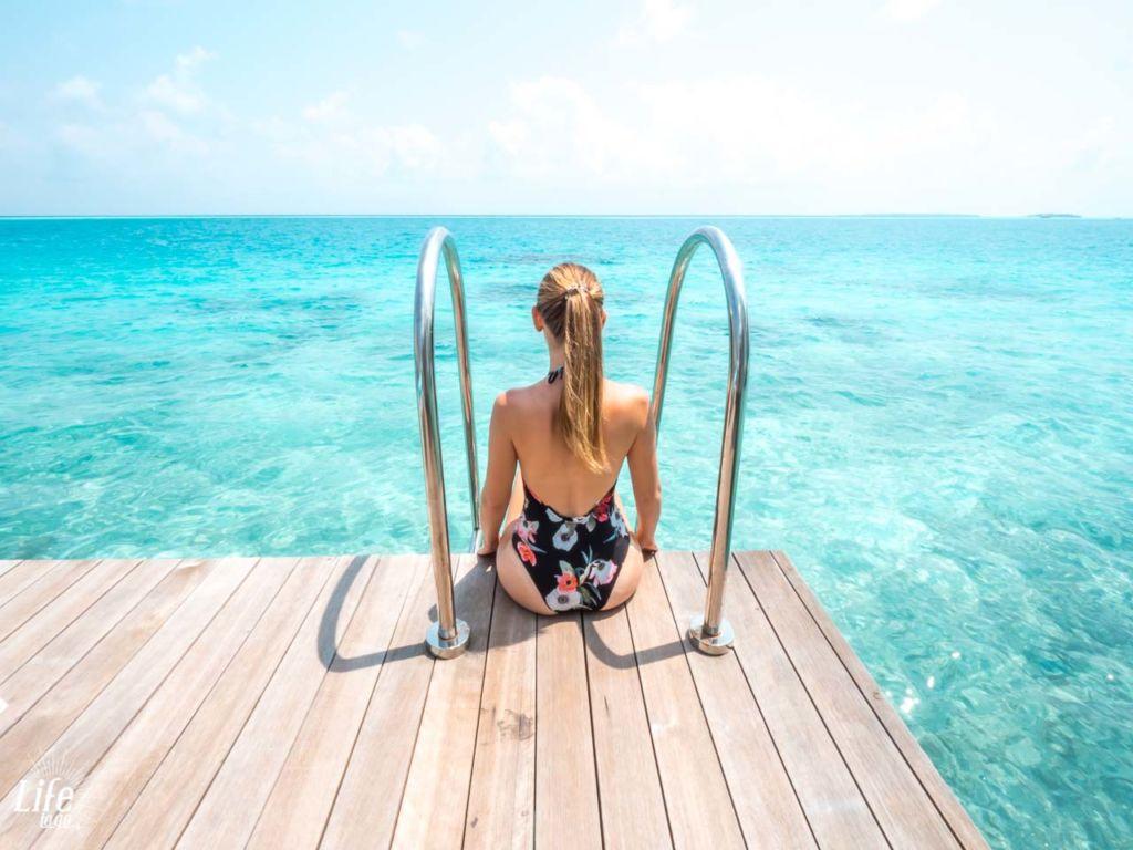 Malediven Ausblick Meer Wasser Villa Terrasse Kandima Resort