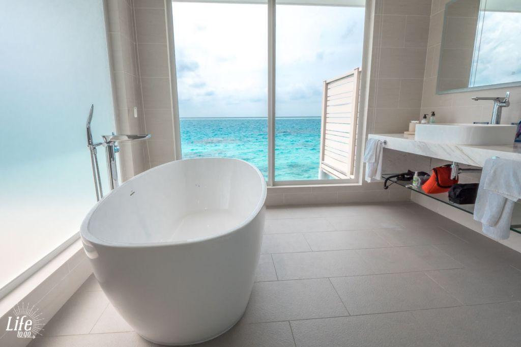 Malediven Wasser Villa Badezimmer