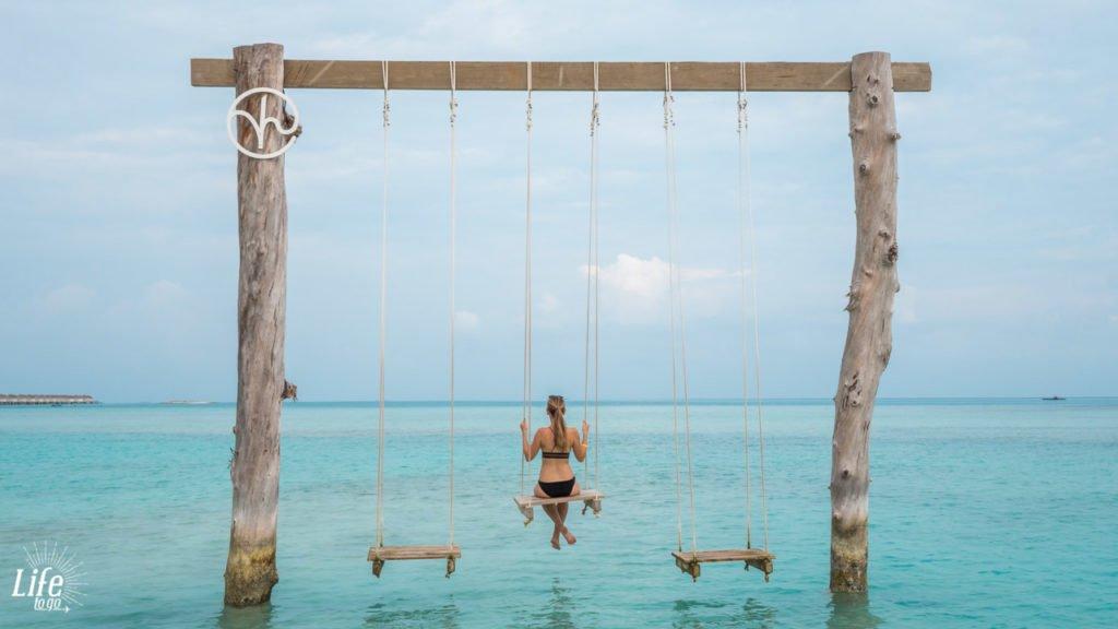 Schaukel im Wasser Kandima Resort Malediven Reisebericht