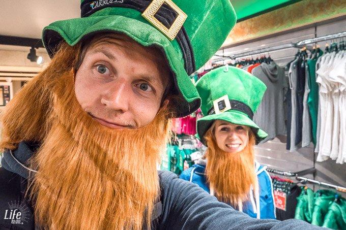 Carrolls Gift Store rote Bärte Dublin Irland