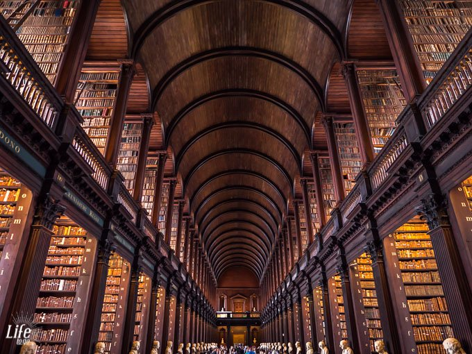 Long Room Bibliothek Trinity College Dublin