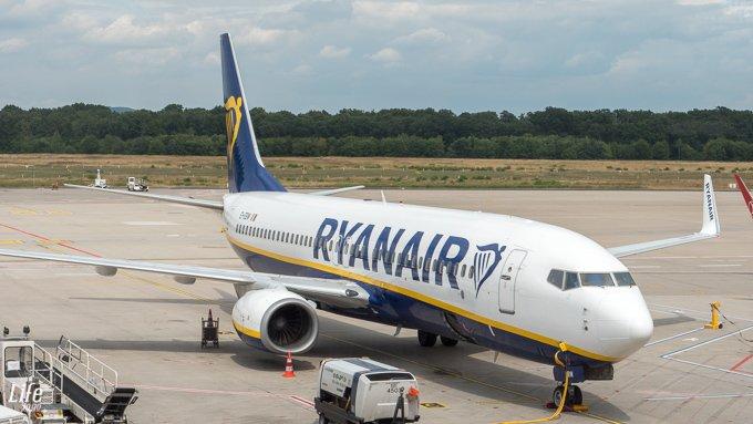 Ryanair Flugzeug Köln nach Dublin