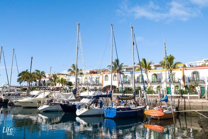 Boote im Hafen von Puerto de Mogan