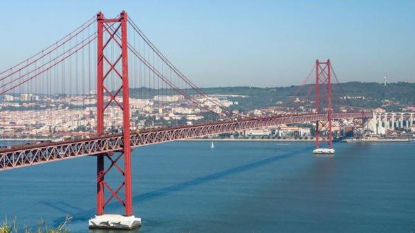 Brücke des 25. April in Lissabon, Portugal
