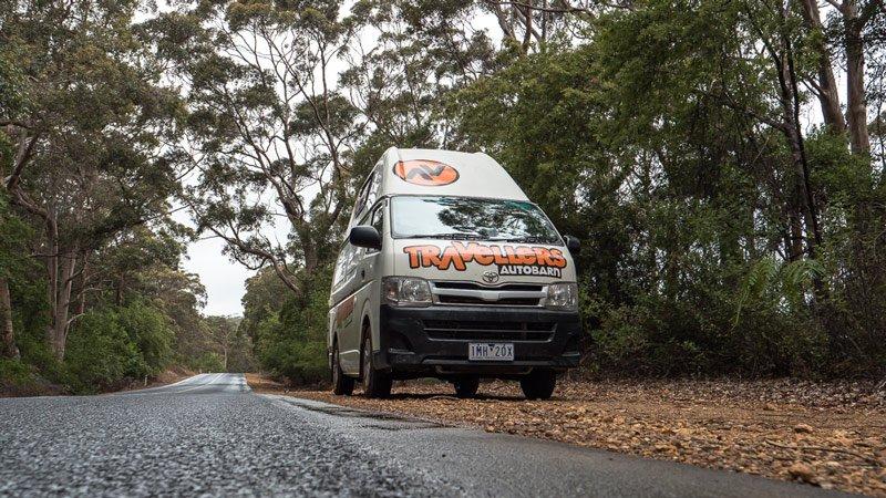 Campervan im Busch Westaustralien Roadtrip