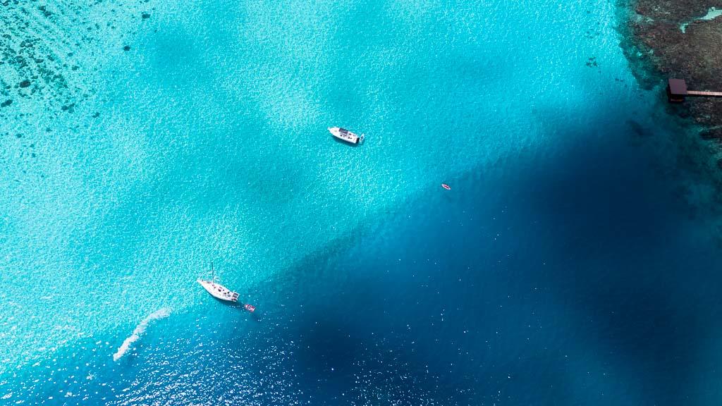 Moorea Drohne Meer Boote