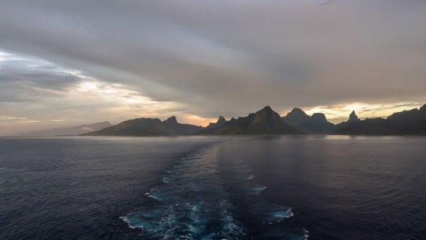 Moorea Sonnenuntergang mystisch