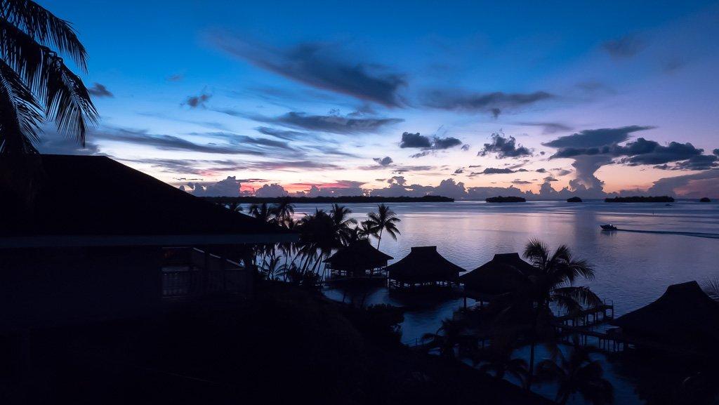 schöner Sonnenuntergang Bora Bora