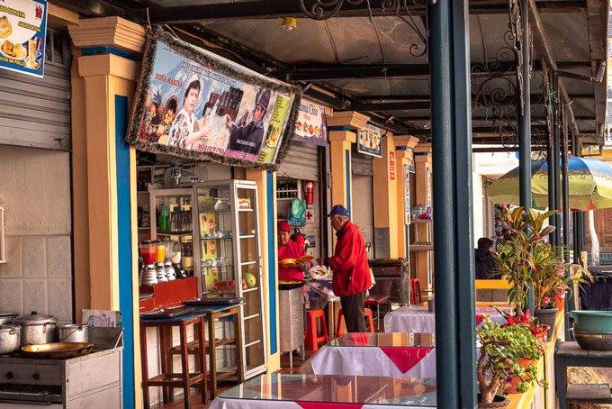 Markt Ecuador Frühstück