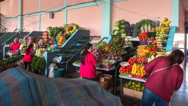 Lokaler Markt Ecuador nur Barzahlung möglich