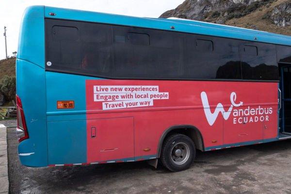 Wanderbus Ecuador Touristen Bus