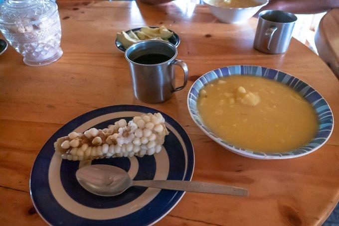 einfaches Essen in Ecuador