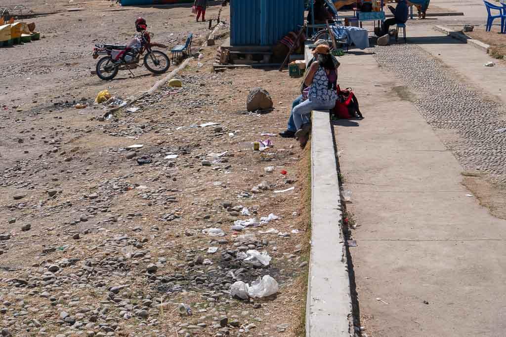 Müll am Strand Copacabana Bolivien