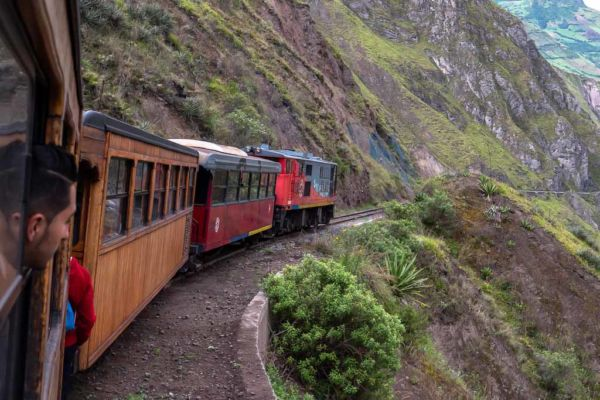 Devils Nose Train auf Ecuador Route