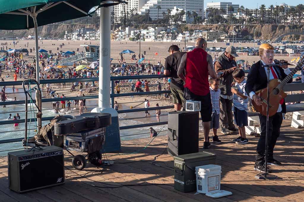 Santa Monica Pier Donald Trump Musiker