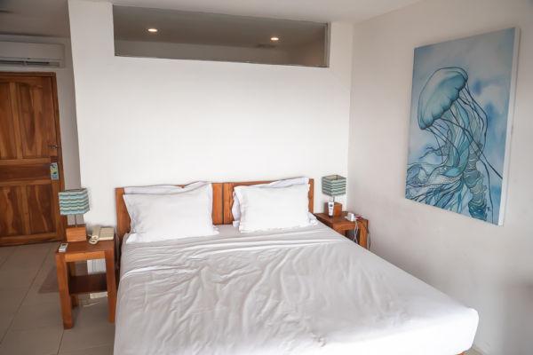 Sunset Holl Hotel Labuan Bajo Zimmer
