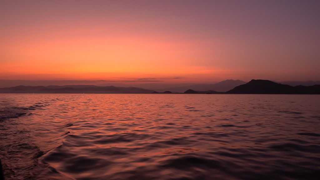 Sonnenaufgang private Komodo Tour