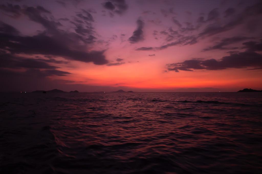 Sonnenuntergang private Komodo Tour