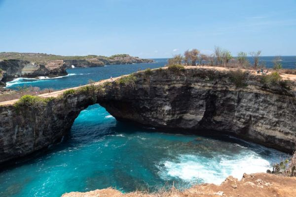 Nusa Penida Sehenswürdigkeit Broken Bay