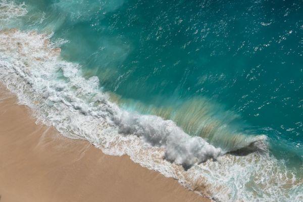 Nusa Penida Kelingking Beach Wellen